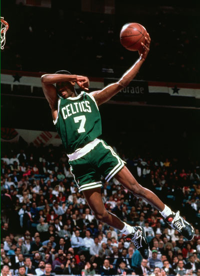 http://fakehustle.files.wordpress.com/2008/11/dee-brown-1991-dunk-contest.jpg
