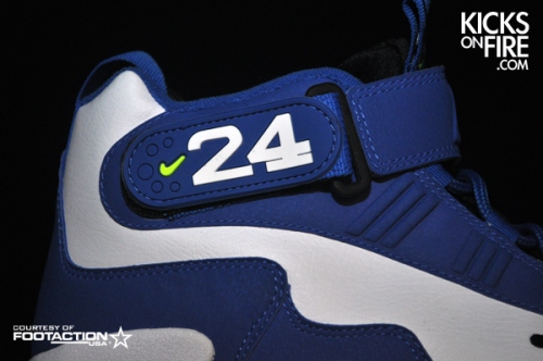 griffey-black-volt-10