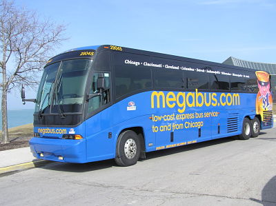 mega_bus_front_opt